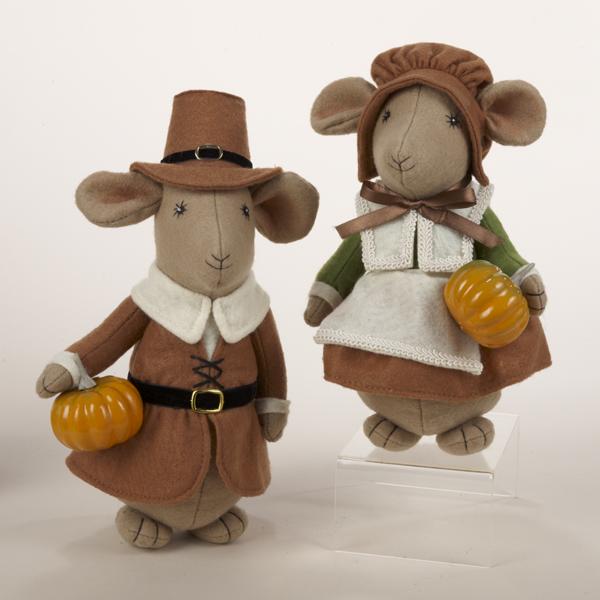 pilgrim-harvest-boy-and-girl-10-inch-fabric-mouse-2-asst-600x600