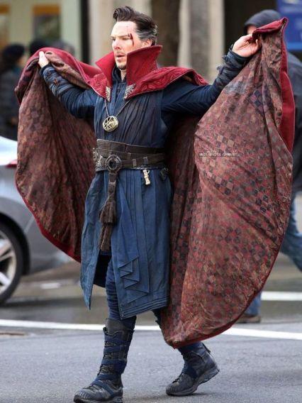 """""""Gaze upon my cloak and despair"""""""